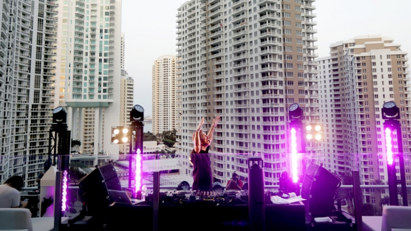 David Guetta mixe à Miami et récolte 600.000 euros !