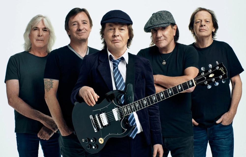 Regardez le nouveau clip de AC/DC !