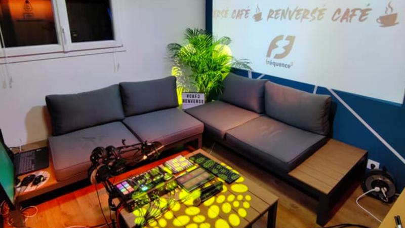 Café Renversé en live vidéo !