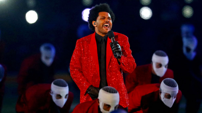 The Weeknd met le feu lors de la mi-temps du Super Bowl !