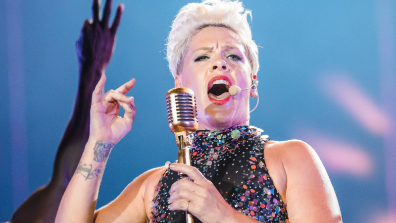 Le grand retour de P!nk avec « All I Know So Far »